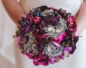 Plum bouquet, purple bouquet, keepsake bouquet, brooch bouquet, Feather Bouquet, winter wedding, fall bouquet, fall wedding bouquet
