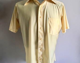 Vintage Men's 70's Disco Shirt, Butter Yellow, Polyester, Short Sleeve (L)