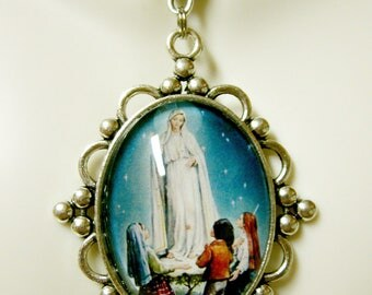 Our Lady of Fatima necklace - AP09-009