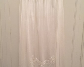 Vintage 1950s 60s Silky White Nylon Half Slip - Lace & Floral Embroidery - Small Medium