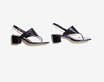 Vintage Leather Sandals 8.5 / Black Thong Sandals / Minimal Heels / Black Leather Mules / Chunky Heel Sandals / Black Leather Pumps