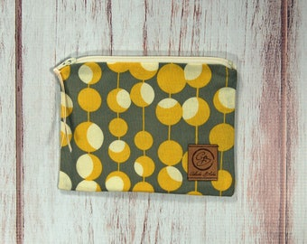 Snack Size Reusable Bag - Zipper Pouch - Sandwich Bag - Reusable Bag - Gray with Mustard Beads