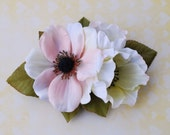 Beautiful hair clip with anemone flowers in peach blush, berries and green leaves hairflower rockabilly pin up wedding bride vintage
