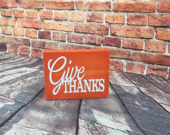Give Thanks distressed mini thanksgiving sign