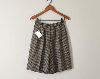silk houndstooth shorts | high waisted tap shorts | 1940s inspired pin tucked silk shorts