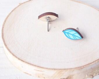 SALE! Wooden Leaf Stud Earrings - Handmade - Nature, Leaves