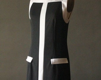 Vintage 90's Black and White Mod Shift Dress by A-List, size L