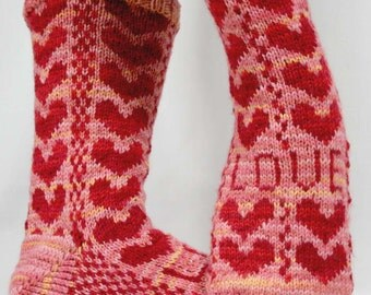 KNITTING PATTERN for Sweetheart Socks - Sock pattern - Charted pattern - digital download - Colorwork pattern - Valentine's Day - Hearts
