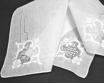 VINTAGE WEDDING HANKIE, Linen, Applique, White on White, Drawn Work, Hand Rolled Hem, Excellent Condition.