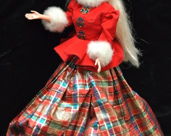 Vintage Christmas Barbie Jewel Princess 1996/Holiday Doll Red Velvet & Tartan Plaid/Long Blonde Hair Earrings  Mattel 90s Toy Gift Girls