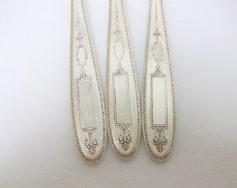 3 Silver Grosvenor Forks 1921 /