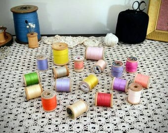 Collection of Vintage Pastel Shades, Wood Bobbin Thread - 18 Count Collection