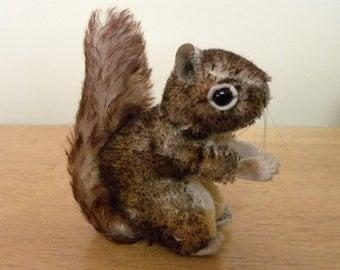 """Steiff 4"""" Perri Squirrel - Vintage Mohair Squirrel - 1959 to 1980 Steiff - 2040/12"""