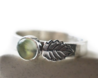5mm Prehnite Ring, Silver Leaf Ring, Engraved Natural Green Gemstone Jewelry, Custom Engraving, Inscribed Sterling Silver Band