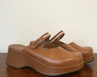 90s platform caramel leather Tommy Hilfiger sandals US 7.5/EUR 38/UK 5.5