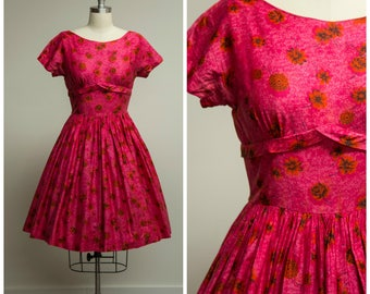 Vintage 1950s Dress • Summer Nights • Bright Pink and Orange Floral Cotton 50s Dress with Full Skirt Size Medium