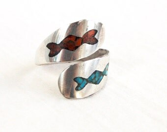 Southwestern Wrap Ring Turquoise and Red Coral Bypass Adjustable Size 7 Vintage Boho Jewelry