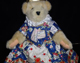 Muffy Vanderbear Queen of Hearts 1994 by North American Bear Company