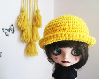 Blythe yellow hat. ooak Blythe bowler hat. Blythe accessories. Blythe doll hat. yellow bowler hat . Blythe clothes