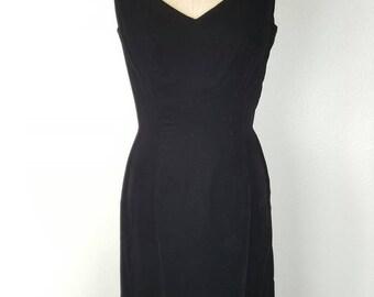 1950s Suzy Perette Black Velvet Wiggle Dress - 36/26/36