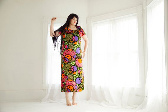 Vintage colorful circles maxi dress, bubbles short sleeves, ruffle neck bright floral, L XL plus size, 1960s 1970s