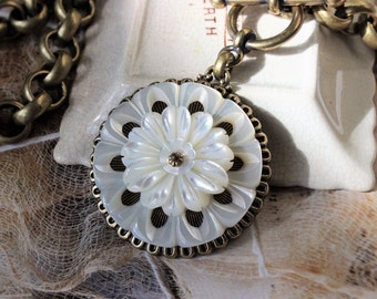 Mother of Pearl Necklace Antique Button, Chunky Chain Necklace, Antique Button Necklace, Carved Mother of Pearl Button Jewelry veryDonna
