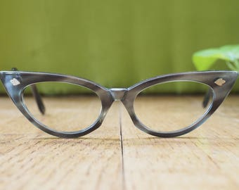 Vintage Cateye Glasses 1960's Emerald Green Frames By Style-rite New Old Stock Made In USA Eyeglass