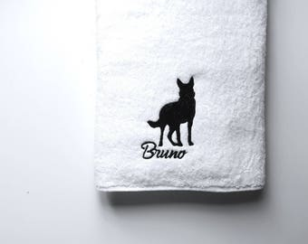 German Shepherd Towel / Personalized Towel / Monogrammed Towel / Hand Towel / Bath Towels / Embroidered Towel