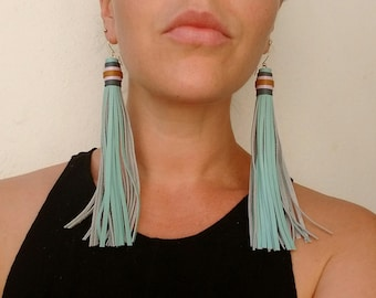 Leather tassel earrings (15cm) -- teal