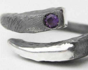 RING with AMETHYST // Oxidized silver ring // gem ring // minimal ring // oxidized sterling silver ring//Contemporary Jewelry