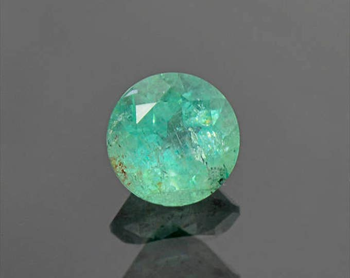 Nice Mint Green Emerald Round Shape Gemstone from Colombia 1.90 cts.