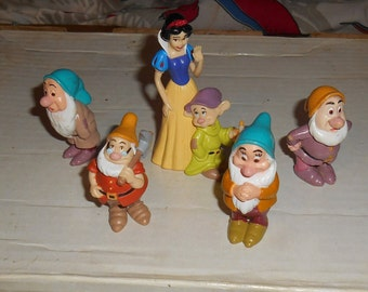 SNOW WHITE And The Seven Dwarves Lot of 5 Pvc Figures Cake Toppers