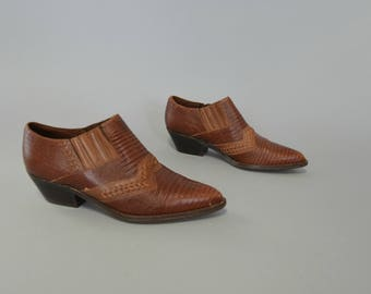 1980s brown leather western ankle booties - size 6