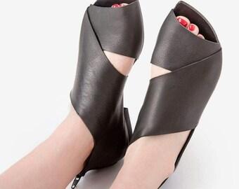 CIJ SALE Black Leather Sandals, Womans Shoes, Woman Leather Shoes, Smart Casual Shoes, Hipster, Leather Flats, Slip On Shoes, Una Una,