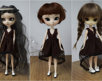 Brown asymetrical tulle dress, V-neck, by Atelier Milabrocc for 1/6 scale dolls Obitsu 27 Pullip Blythe Azone