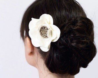 Ivory hair flower. Women's hair accessory. Bridal hair pin. Bridesmaids hair flower. Felt flower. Antique gold and ivory.