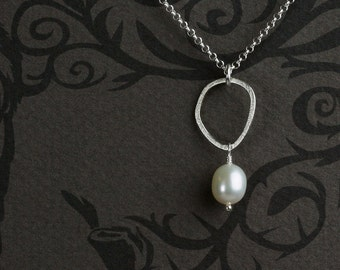 Pearl Pendant in Sterling Silver with One Pebble - Pendant Necklace in Sterling Silver with Freshwater Pearl  - 00329 - by allotria