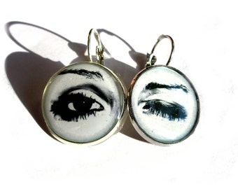 Open Close Eye Eyelashes Earrings - Winking Eye - Eyes Earrings, Eye Jewelry - Wink - Dangle Earrings - iris - Black and White