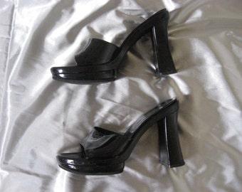 gloss black slip on 90s platform heels - 6