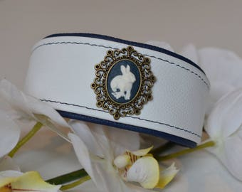 Leather collar with Kaninchenapplikation