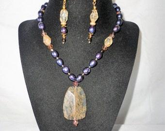 Natural Golden Ruttle  Pendant Pearsl Necklace Set.*****