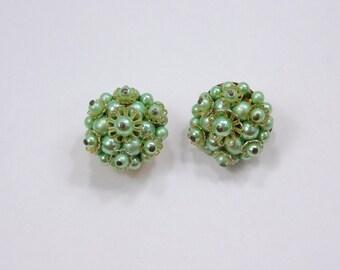 Seafoam Green Pearl Earrings Japan Pearl Cluster Earrings Mint Soft Light Green Vintage Clip On Earrings Jewelry