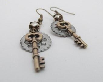 Steampunk Jewelry - Gear & Key Earrings - Elegant Accessories by Kimrey's Odd Beauty