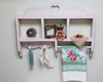 Shabby Chic Pale Vintage Pink 2 Peg Shelf with Towel Bar-Heart Cut out-Jewelry Organizer-Nursery Decor-Powder Room-Shabby Chic Kitchen
