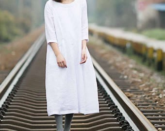 595--White Linen Dress with Sleeves, Linen Loose MAMA Dress ,  Linen Maternity Dress in White.