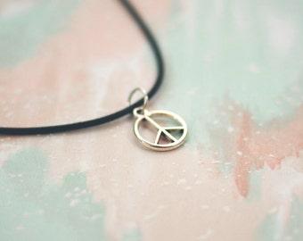 Boho Peace Sign Necklace Peace Choker / Hippie Bohemian Peace Sign Charm Necklace Peace Sign Choker / Positive Happy Hippy Boho Jewelry