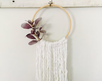 Yarn Hanging/Wall Hanging/Embroidery Hoop Decor/Boho Decor/Nursery Decor