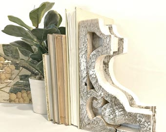 Wooden Corbel - Barnwood - Rustic Barnwood - Bookends - Wooden Bookends - Corbels Antique - Corbel Bookends - Old Barn Wood - Barn Wood