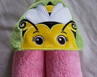 Girl Bumble Bee Hooded Towel,Ready To Ship,Kids Hooded Towel,Hooded Towel,Personalized Hooded Towel,Hooded Kids Bath Towel,Hooded Towel