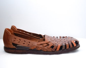 Vintage brown leather huarache sandals, size 9.5